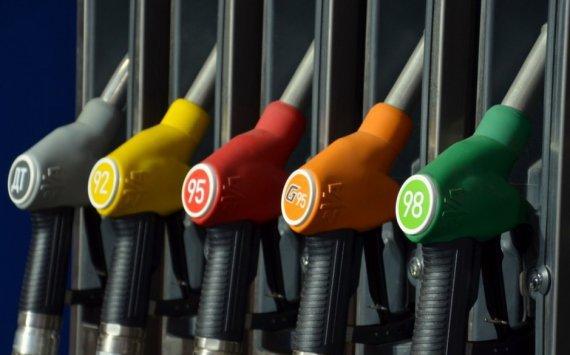 Безостановочный рост цен набензин обеспокоил граждан Омска